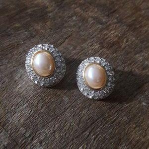 Beautiful Swarovski Pearl/Pave Earrings*VINTAGE*